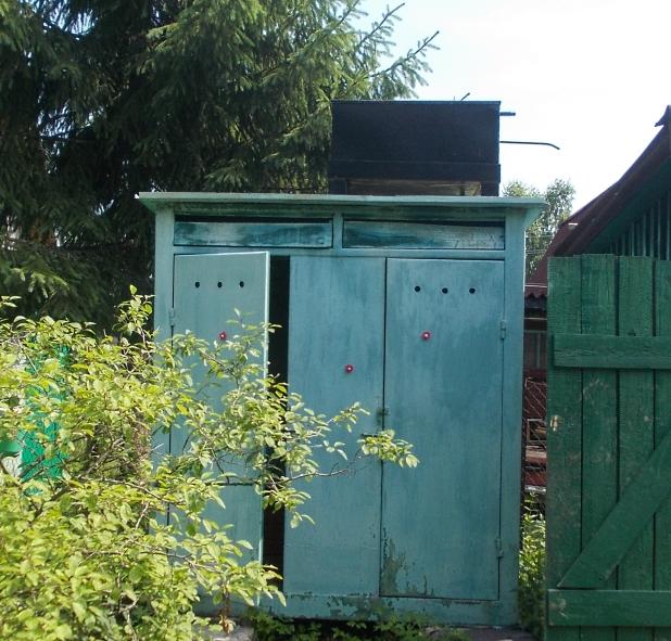 Обычный летний душ, с металлической ёмкостью перед модернизацией