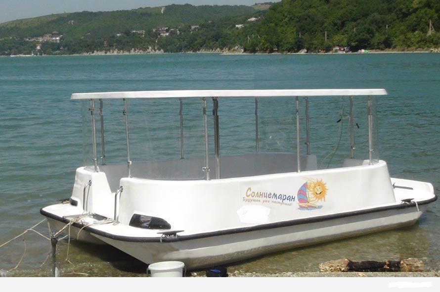 Лодка с диванами